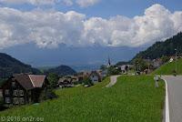 Furkajoch, Westrampe.  Unten liegt Liechtenstein.