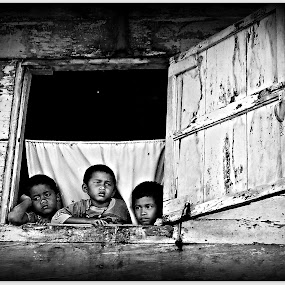 Waitin For Dad by Daniel Pasaribu - Babies & Children Children Candids ( child, window, waiting, bw, face, people, pwc faces )