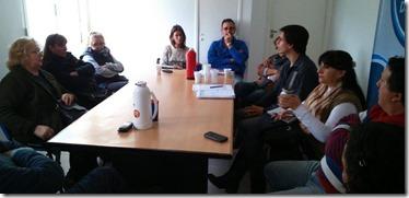 Reunión entre autoridades municipales y representantes de las ferias de todo el distrito