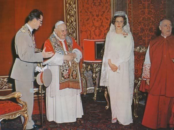 Balduino y Fabiola de Bélgica con Juan XXIII (Fabiola en ese momento estaba embarazada