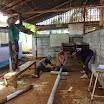 10 Proseguimento rifacimento tetto classi usando lamiere vecchie risistemate.JPG