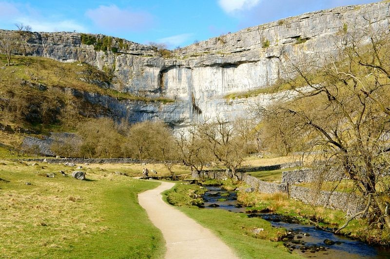 malham-cove-waterfall-8