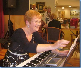 Diane Lyons enjoying the occasion with her Korg Pa900. Photo couresy of Dennis Lyons