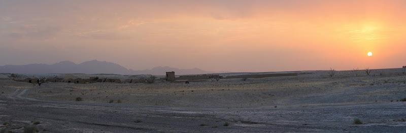 Chmury nad pustynią w sierpniu.....