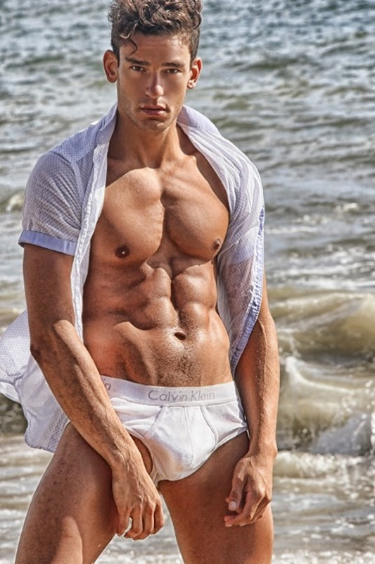 Part-II-Paul-Alex-Molnar-by-Photographer-Ray-John-Pila-151030-02-512x768