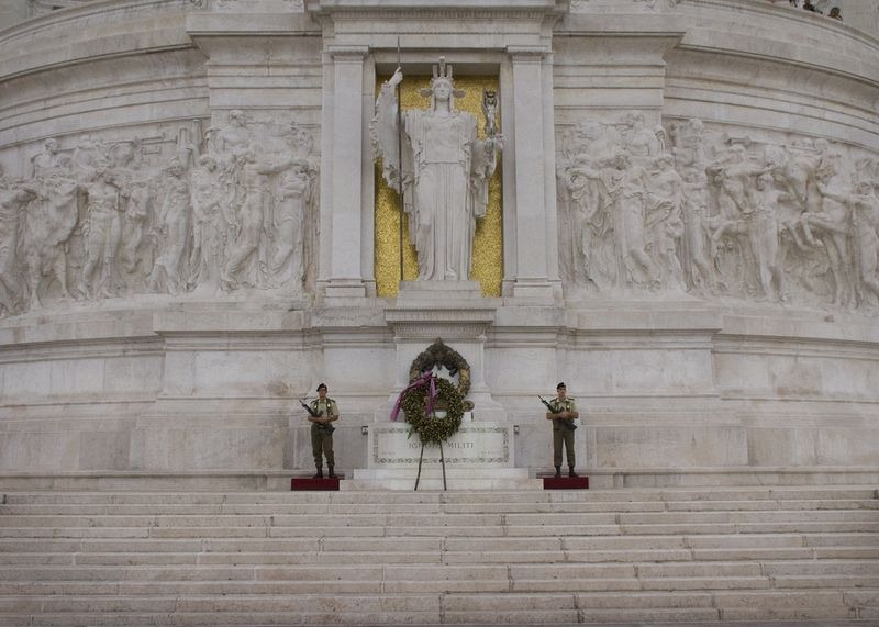 tomb-of-unknown-soldier-rome