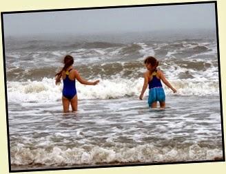 04b - beach The girls - Surfs Up
