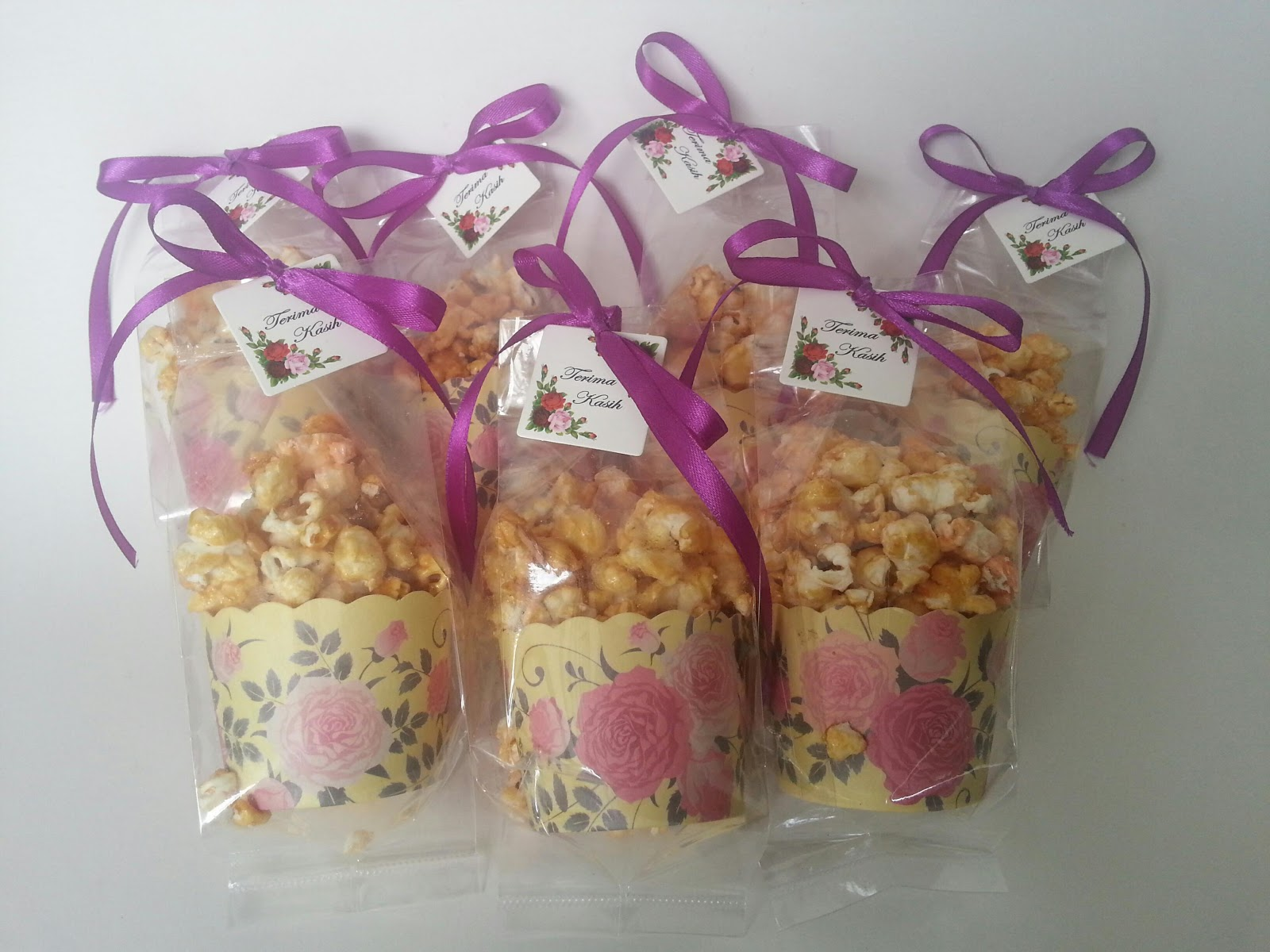 Sweet passion popcorn doorgift for Idea door gift tunang