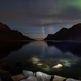 Night, aurora, by Jan kåre Paulsen - Landscapes Starscapes