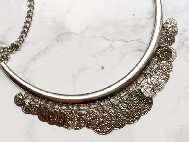 fashion-blog-affordable-jewellery-costume-jewelry-new-look-newlook-ebay-statement-necklace-festival-fashion-earrings-ring-watch-zara-dupe-mint-green-silver-coin