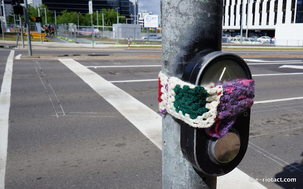 yarnbomb