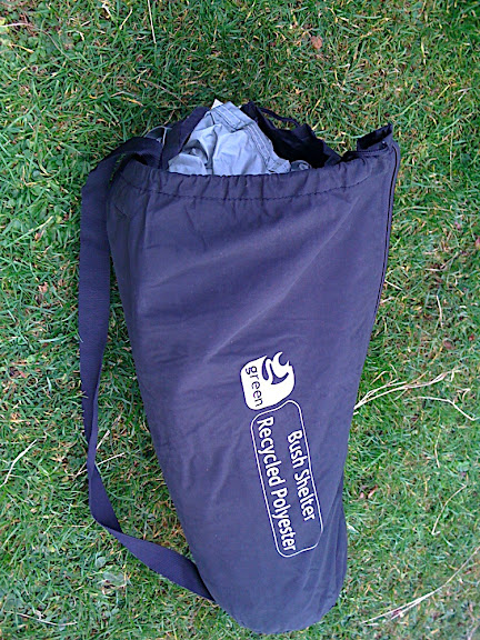 OUt of the bubblewrap.... a new tent in my life... The tent is made of recycled PTFE plastic, from bottles and the like!
