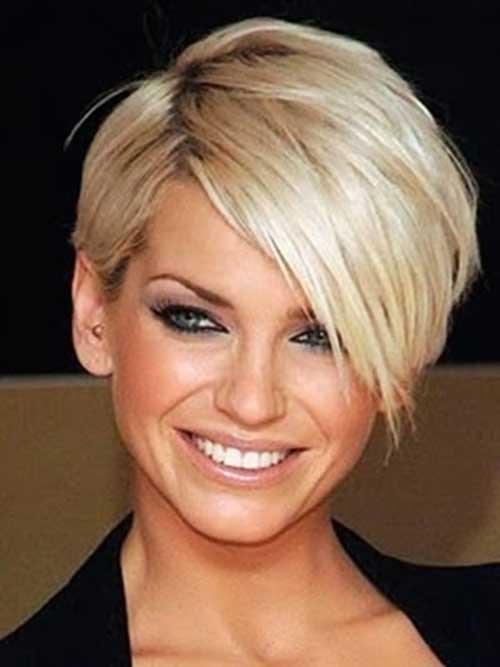 Фото блондинки с короткой прической