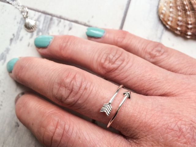 fashion-blog-jewellery-jewelry-jewellerybox.co.uk-seashell-shell-mermaid-summer-sterling-silver-arrow-ring-bargain-affordable-present-gift