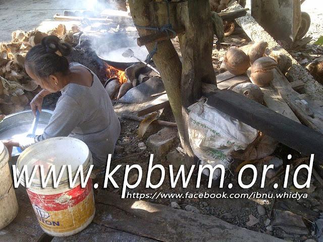 kindoq mariana pembuat minyak tradisional mandar