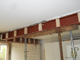 Klossen hout voor aanhecting stucplaat