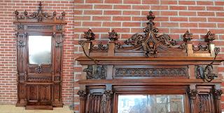 Готический шкафчик для прихожей. 19-й век. 125/260 см. 4000 евро.