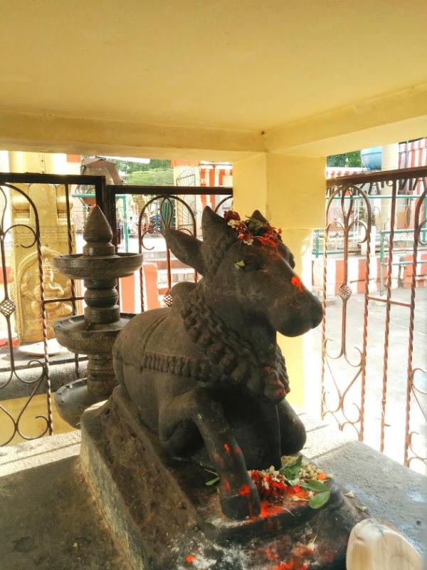 Nandi in front of Gavi Gangadeeswara Sannadhi