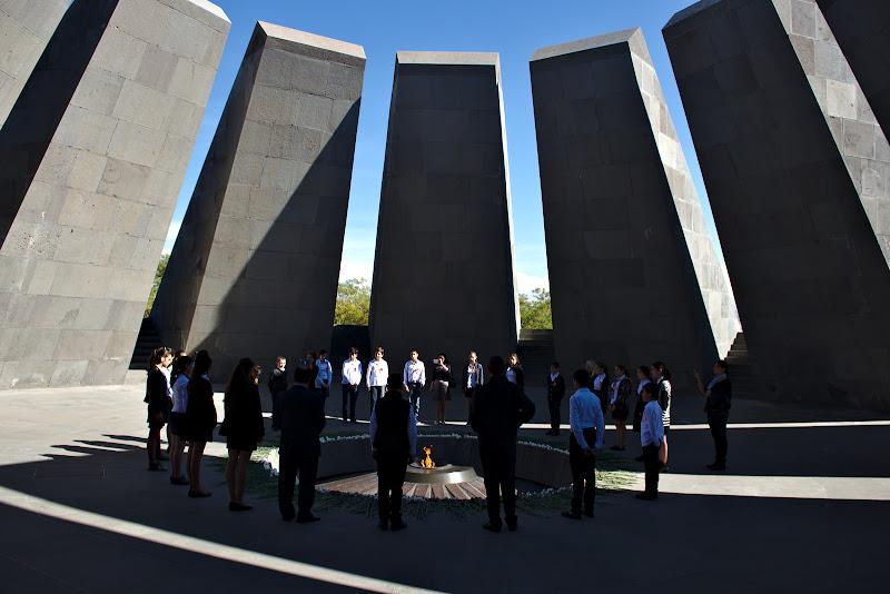 Ceremonie la memorialul holocaustului armean.