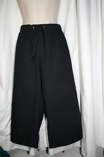 Burda 05-2010-120: Bermuda shorts (cotton poplin)