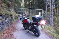 Von Lozzo di Cadore führt dieser schmale Weg hinauf in ein Hochtal zum Rifugio Ciareido. Scheinbar wegen Bauarbeiten geschlossen. Dann halt im nächsten Jahr.