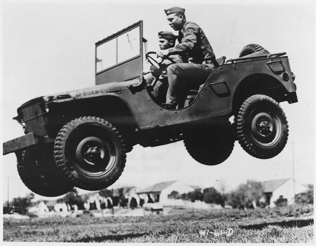 Willys-Jeep-WW2-1600x1245.jpg