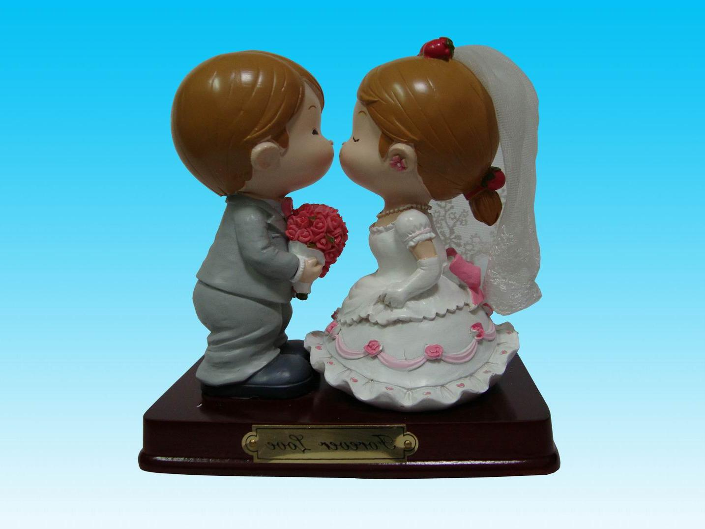 Polyresin Wedding Figurine