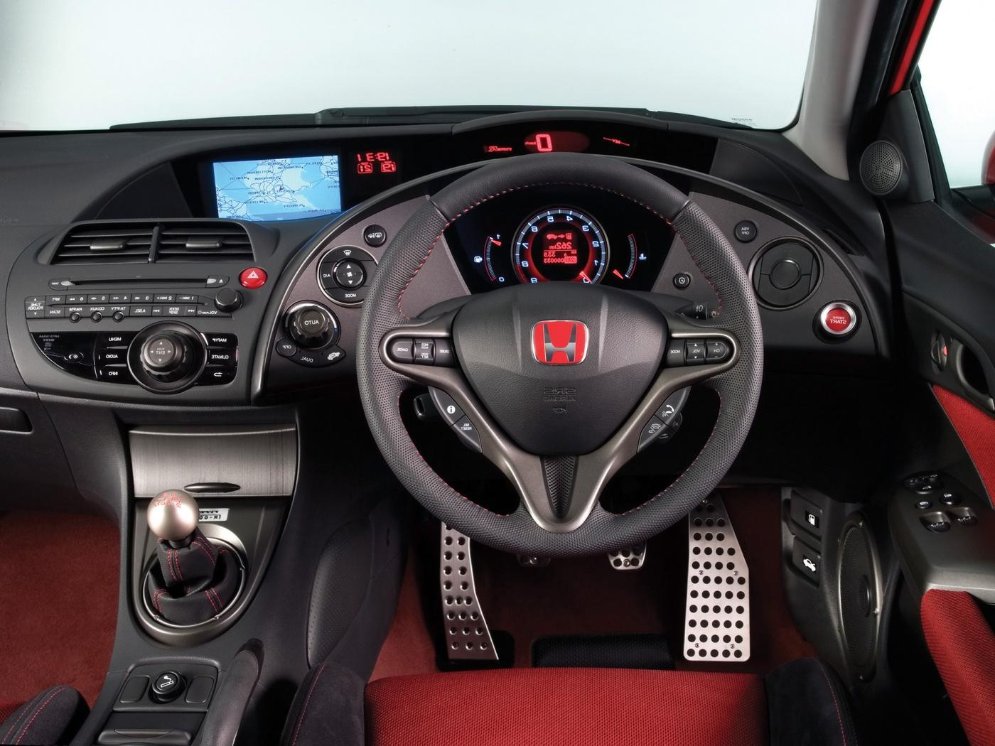 Civic Type R dashboard.