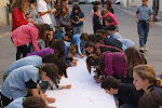 Scouts pintando el Muro Scout