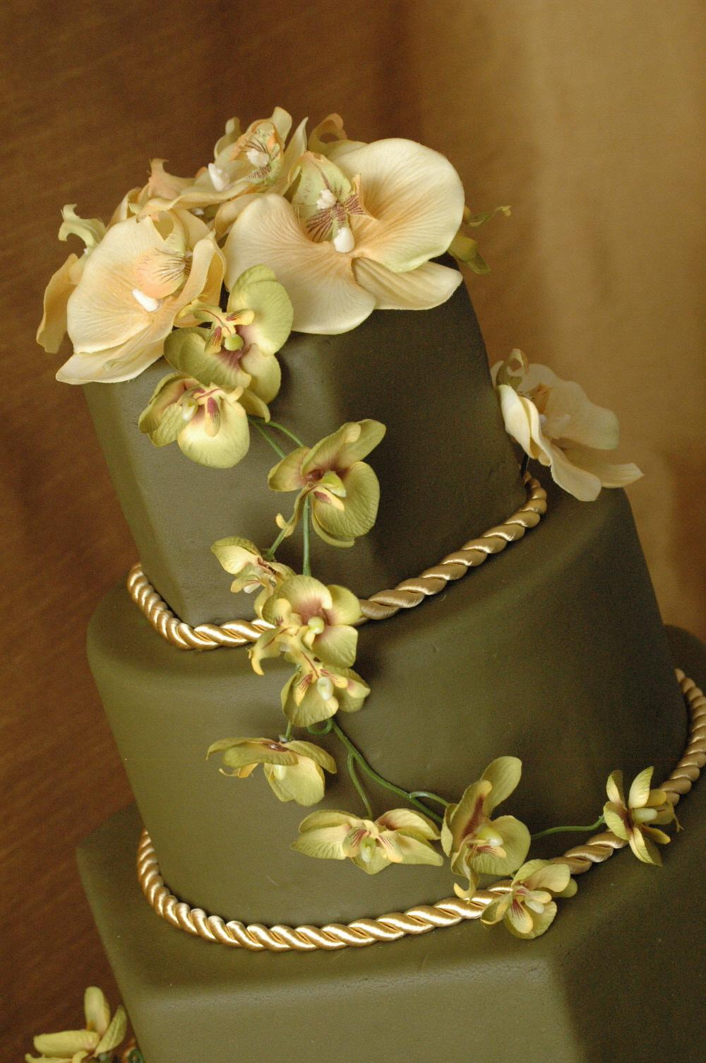 Fondant Wedding Cake Green and