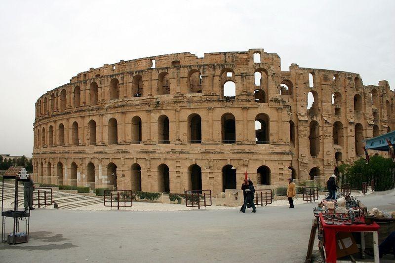 amphitheatre-of-el-jem-2