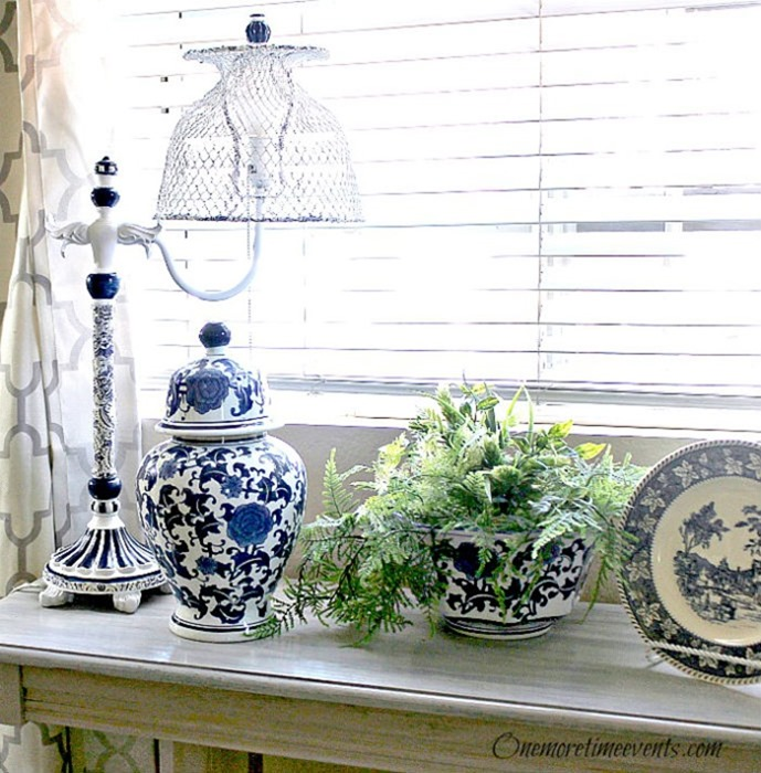 Blue-and-White-Vignette-on-Sofa-Table-with-Lamp-Makeover