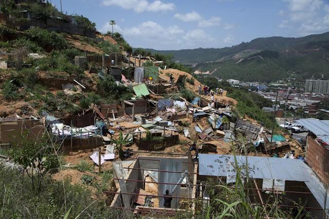 Carta al presidente Maduro de unos desalojados IMG_20150724_171701