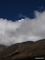 który po chwili przysłoniła gęsta chmura.