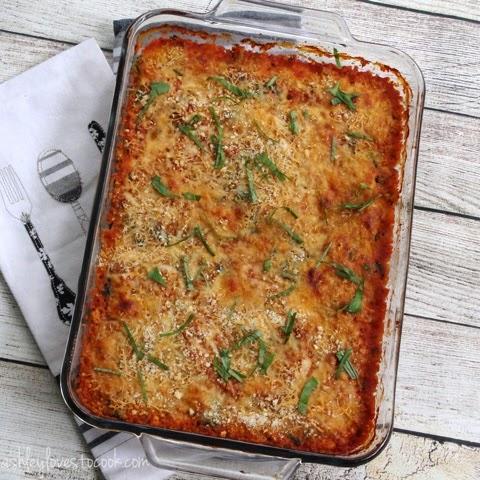 Chicken and Quinoa Lasagna Bake || ashleylovestocook.com