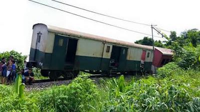 kereta api tergelicir di sabah