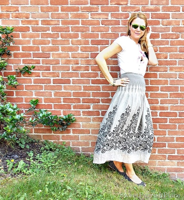 graphic tee maxi skirt polka dot flats2