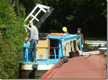 6 dayboat in trouble