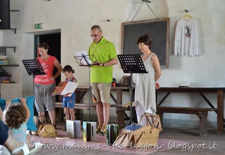 Mamme Che Leggono al pic-nic di lettura a Villa Terracini - 7 giugno 2015 (30)