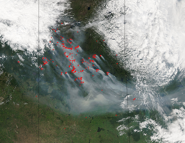 Aqua/MODIS Satellite view of fires and smoke in northern Canada, 9 July 2015. Photo: NASA