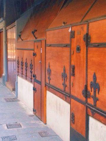 shop-doors-ponte-vecchio