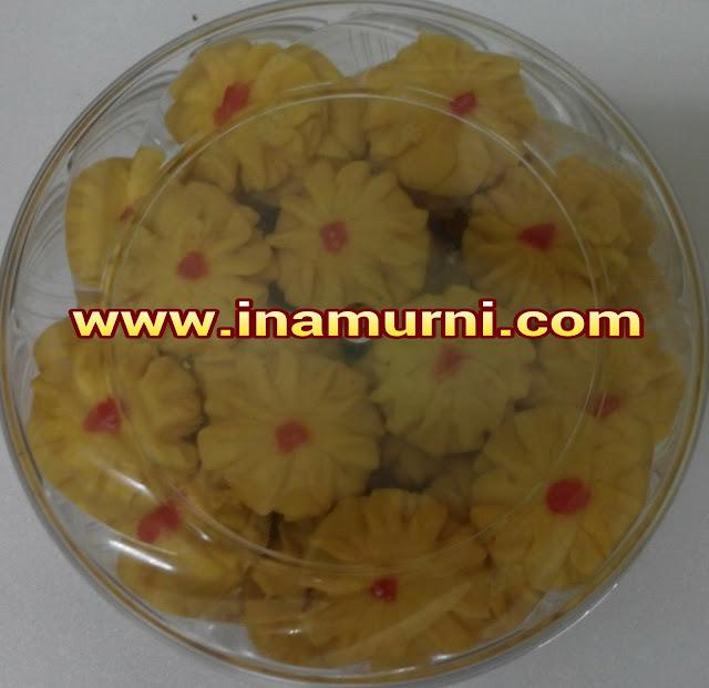 Biskut Semperit Bunga