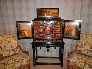 Антикварный кабинет ок.1650 г. 110000 евро.