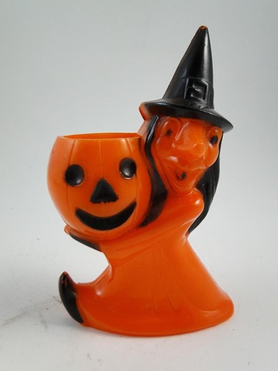 Rosbro plastics witch and jackolantern candy holder front