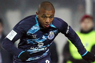 Brahimi incertain face à Chelsea !