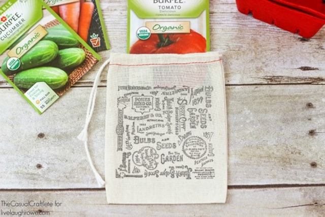 Stamped-Seed-Packet-Bags-from-The-Casual-Craftlete-for-livelaughrowe.com_1-e1427736501719