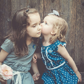 Kiss by Jenny Hammer - Babies & Children Children Candids ( kiss, girls, sisters, cute, siblings )
