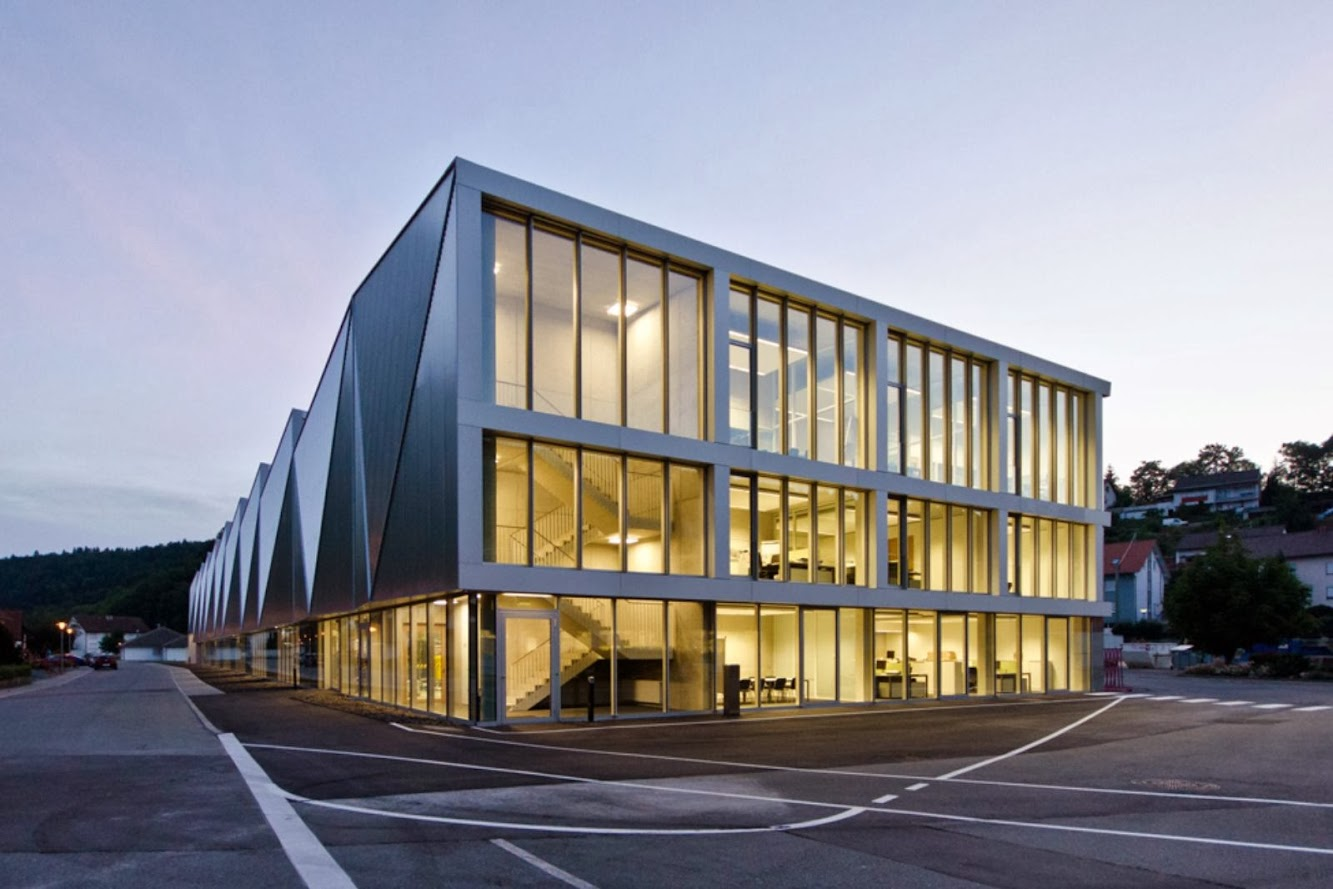 Hettingen, Germania: Production Hall Trumpf Hettingen by Barkow Leibinger