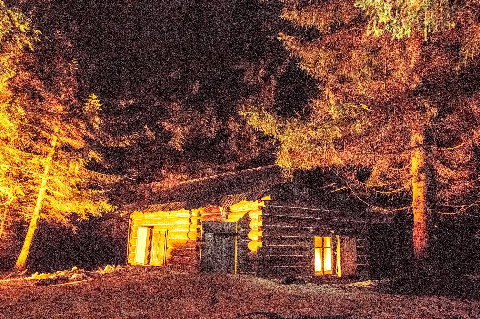 Мисливський Будиночок, Туристичний притулок, хатка під Горою Буштул