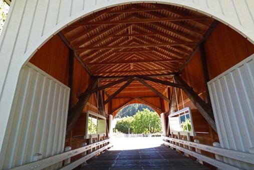 Neal Lane Bridge, shortest covered bridge in Oregon